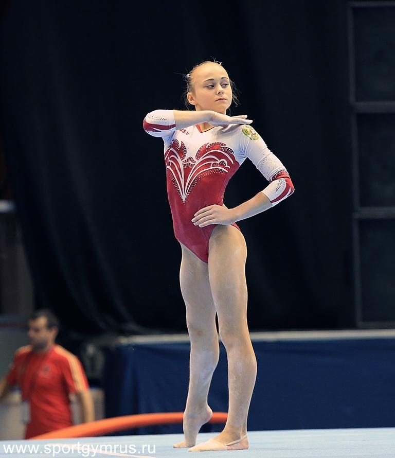 этом художественная гимнастика ксения клименко фото разглаживает